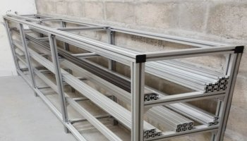 Storage rack for aluminum profiles